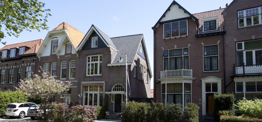 Herenhuis herenhuis uit 1910 in Bloemendaal - een ontwerp van architect Hein Warnaars in Bloemendaal